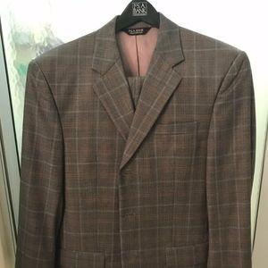 Jos A Banks Mens Charcoal Blue & Brown Plaid Suit